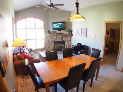 Photo for Upper floor 2 bedroom condo with courtyard view and easy access to ski runs