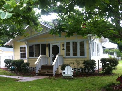 Photo for Quaint Cottage in Historic District (Walk to Town)
