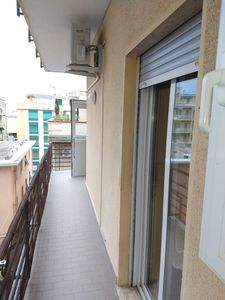Photo for LARGE APARTMENT CLOSE TO THE BEACHES