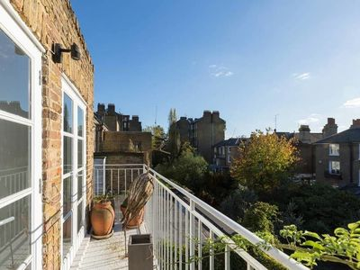 Photo for Exquisite and Chic 2 bed 2 Bath Flat in Chelsea