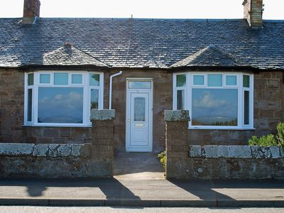 Photo for Cozy Beachside Cottage, With Turnberry and Troon Golf Courses Nearby.
