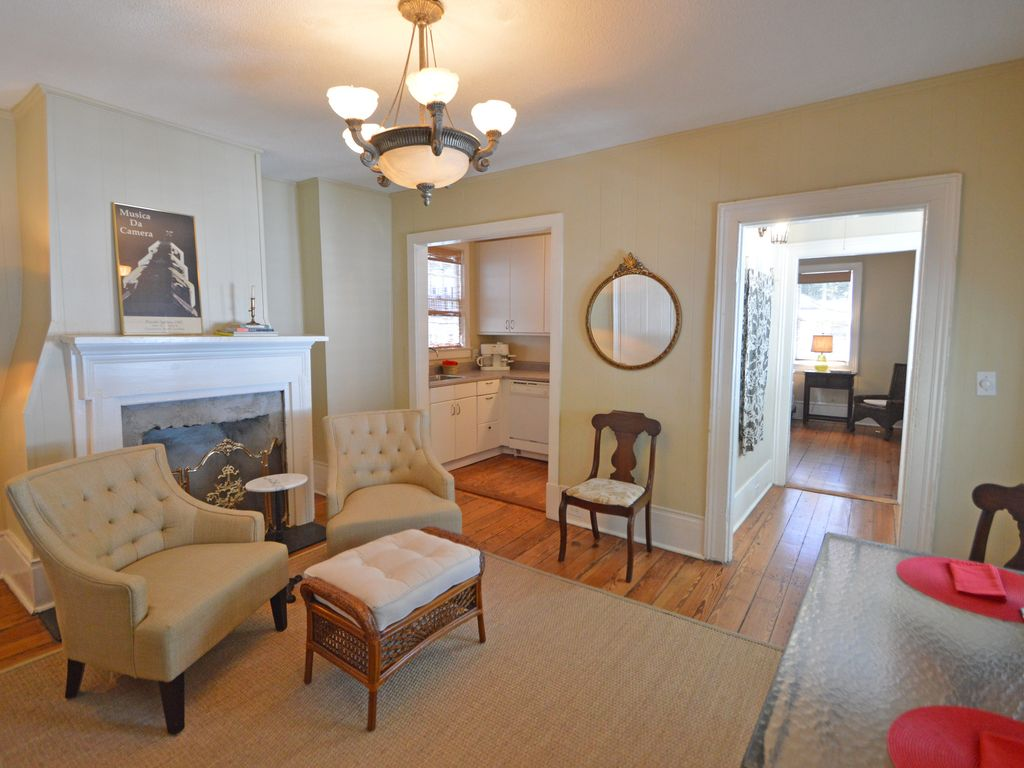 Historic charleston charm apartment private piazza - 4 bedroom apartments in charleston sc ...