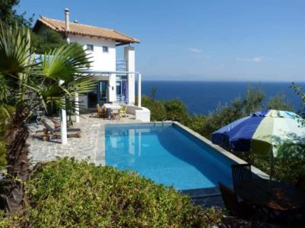 House With Private Swimming Pool And HomeAway Tyros