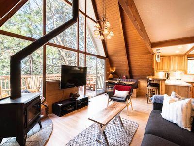 The Ultimate A-FRAME Cabin with HotTub /Fire Pit / Pets ok