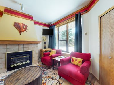 Photo for NEW LISTING! Cozy condo w/ shared pool, hot tub, & sauna - steps from the slopes