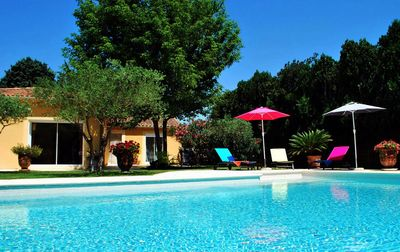 Photo for Avignon 10 minutes in Country House Villa Private Pool Large Garden Quiet
