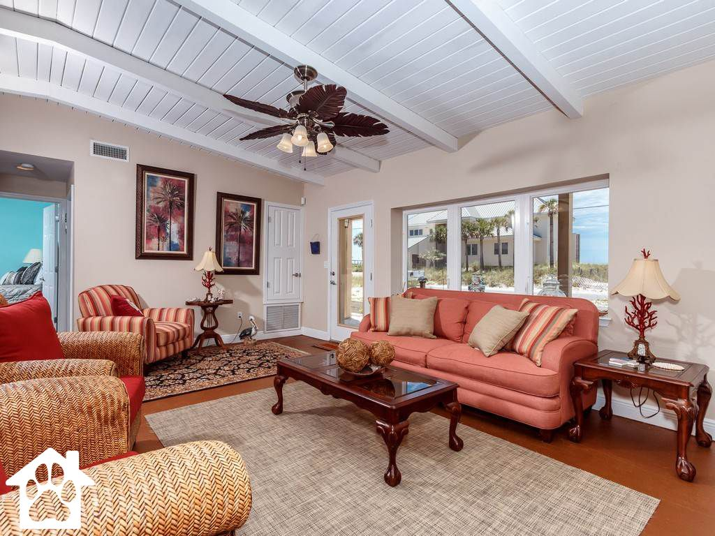 4 BR/3 BA vacation home on Pensacola Beach, Sleeps 10 and available for Spring!