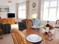 A superb flat in a very convenient position for places to eat