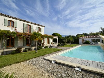 Attractive Saint Pierre De Vassols Villa Rental   Swim With A View Of Mont