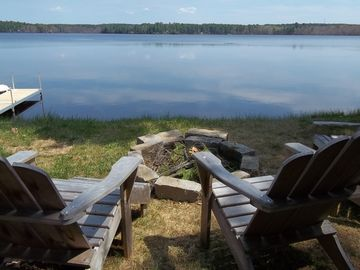 ** Lakefront Home With All The Ammenities For A Relaxing Getaway!**