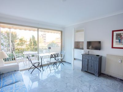 Photo for Superb studio 20 meters from the beach with sea view