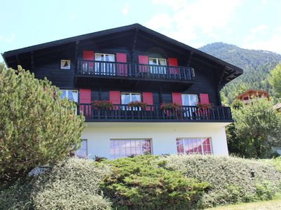 Photo for Apartment for 4 people in Chalet Esher Surrey