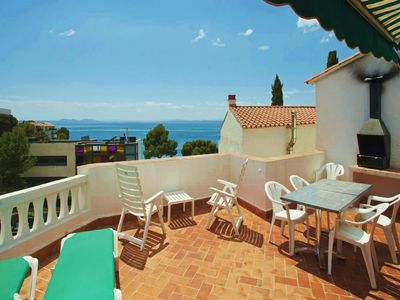 Photo for Two-Bedroom Apartment Sea View located 50m from the beach