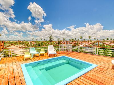 Photo for Beautifully decorated rental w/ shared hot tub & amazing views - near the beach!