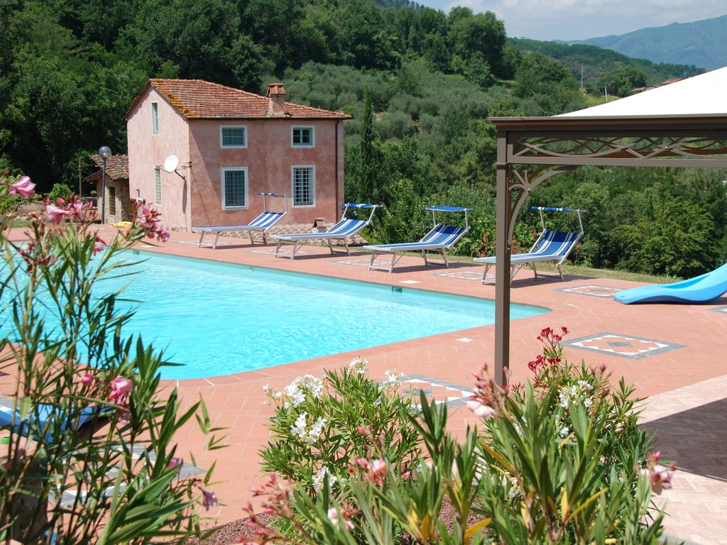 Tranquil property in lucca hills with huge homeaway - Hotels in lucca italy with swimming pool ...
