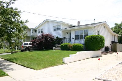 Great family home, 1 block to the Beach!!!