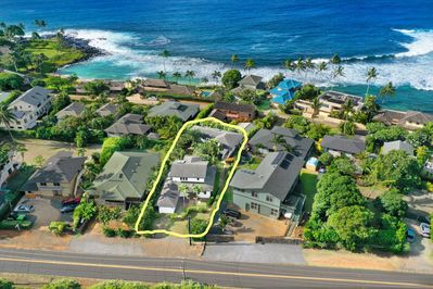 Location!! Akala Pua is a short stroll around the end of the block to Baby Beach
