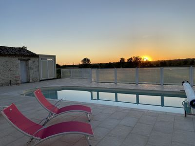 Photo for Périgord: gite with secure swimming pool in the heart of Dordogne bastides