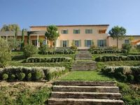 A beautiful place with generous, welcoming guests. Miinutes drive or nice walk to St. Paul-de-Vence.
