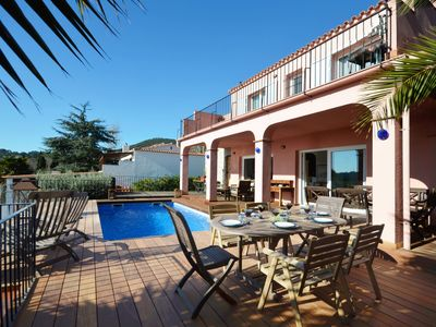 Photo for <![CDATA[This lovely 4-bedroom villa is located within walking distance of Platja  Fonda beach and ]]>