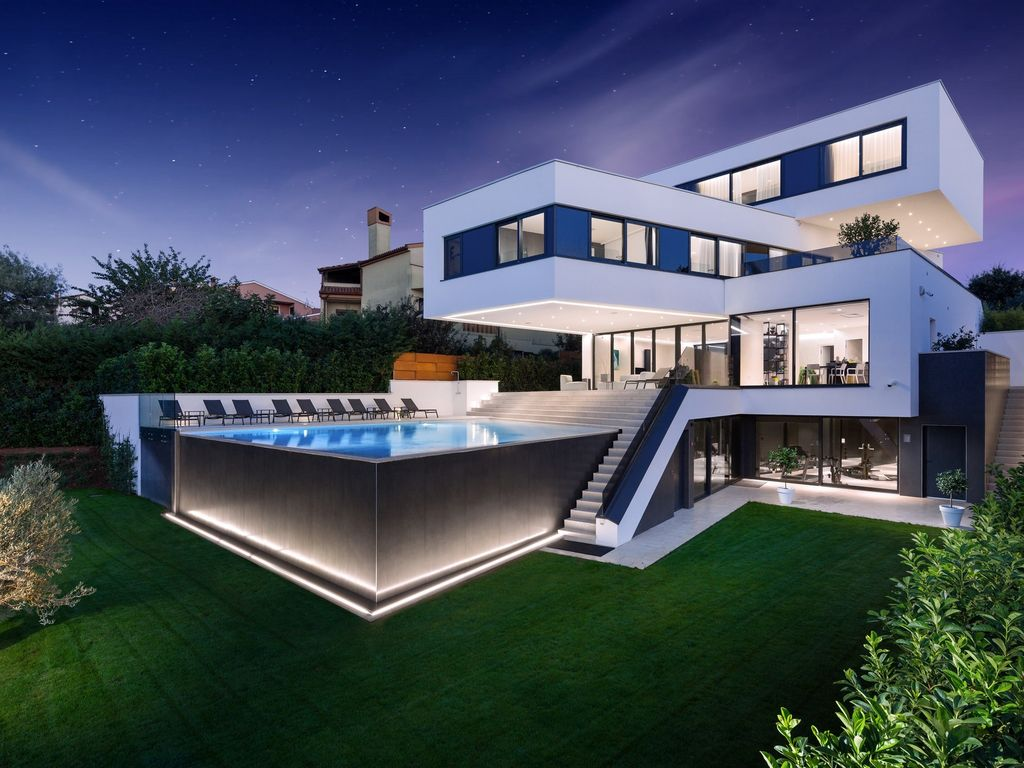 Modern Villa Lucy In Istra With A Pool Banjole