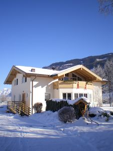 Photo for spacious Villa for 10 people near the lake and ski resort