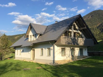 Photo for Detached family friendly Chalet with wonderful mountain views!