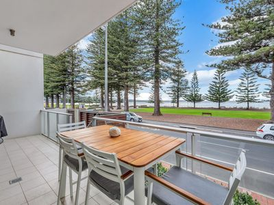 Photo for 7 The Breeze, Victor Harbor