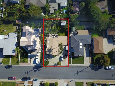 Epic family beach bungalow - 1 block from beach - Huge fenced backyard