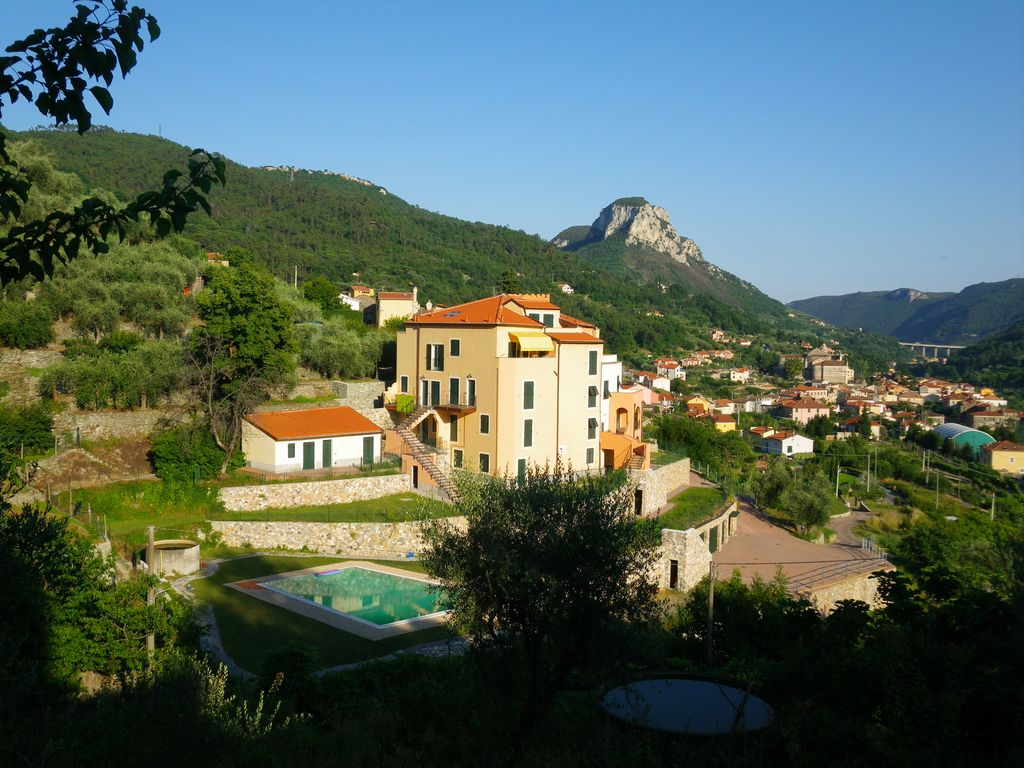 2 Bedroom Garden Apartment 2 Bedroom Garden Apartment With Pool Riviera Between 8076137