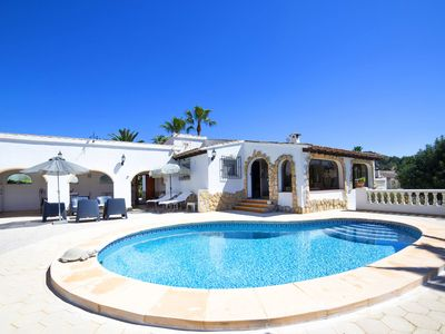 Photo for Wonderful private villa for 6 guests with A/C, WIFI, private pool, TV, pets allowed and parking