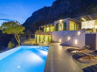 Photo for Holiday house Makarska for 6 - 8 persons with 3 bedrooms - Holiday house