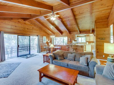 Photo for Peaceful, family-friendly cabin w/shared pool & more near Yosemite