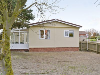 Photo for 4 bedroom property in Cromer. Pet friendly.