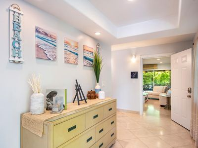 Photo for Hidden Gem Emerald: 5 bds 2 baths, ENTIRE TOP FLOOR 50 steps to Kailua Beach Pk