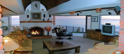 Las Gaviotas Most Spectacular Livingroom - 200 degrees of oceanfront splendor