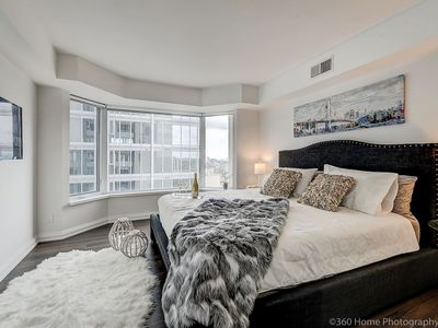 Photo for LUX 2 Bedroom Master Suite in Yorkville