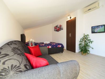Photo for Apartment Rina in Vodice - 2 persons, 1 bedrooms