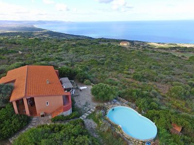 Photo for Wonderful private villa for 12 guests with private pool, TV, balcony, pets allowed and parking