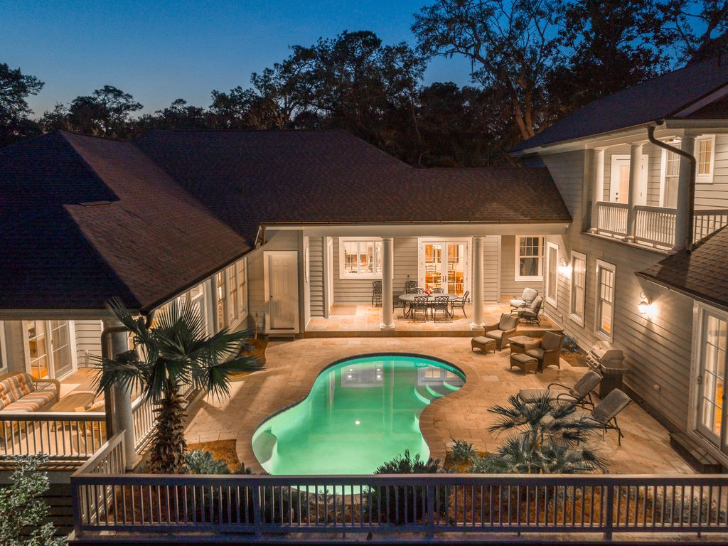 Near beach premier luxury w private pool perfect multi for Multi family beach house rentals