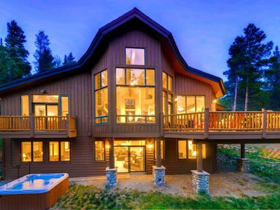 Photo for 6 Bedroom Home, Minutes From Downtown Breck, Sleeps 16, Hot tub, Amazing views!