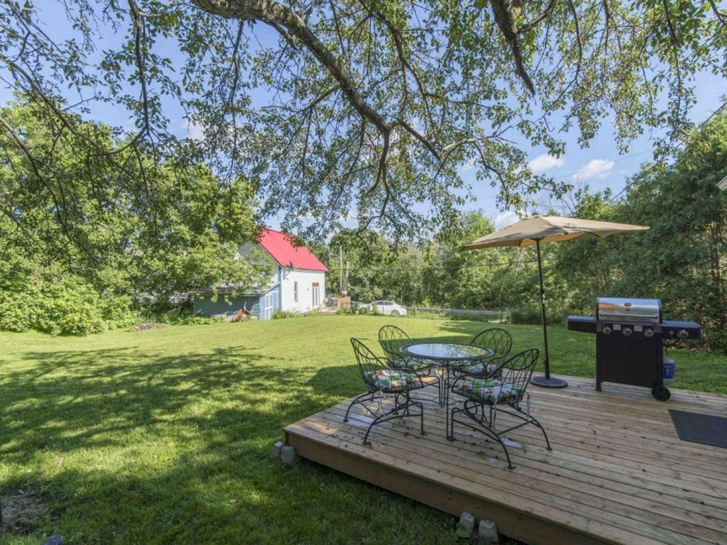 Country Home Overlooking River Ottawa Ontario Rentals And Resorts