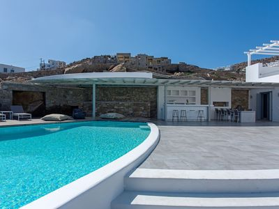 Photo for Luxury Villa for Large Family with Private Pool and Outdoor Bar and BBQ, Magnificent Views of the Ba