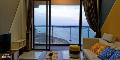 Photo for Super Seaview Family Suites lCountry Garden Danga Bay