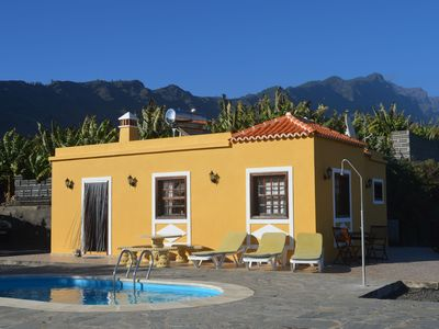 Photo for House in a quiet place with beautiful views of the sea and La Caldera de Taburiente