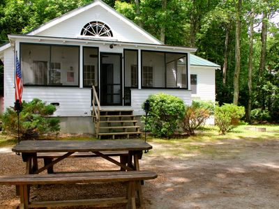 Rustic Maine Lakefront Cottage. Family Retreat. Close to Portland.