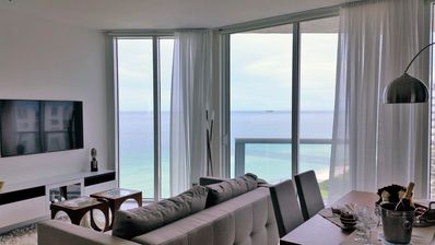 Photo for Floor to ceiling ocean views on Miami Beach!