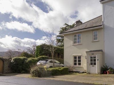 Photo for Linton Cottage, cosy and within two minutes walk of the town centre.