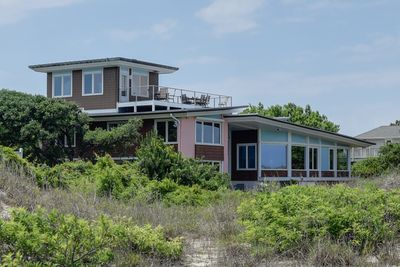 Located in exclusive, quiet North End, 2.5 miles from the resort area