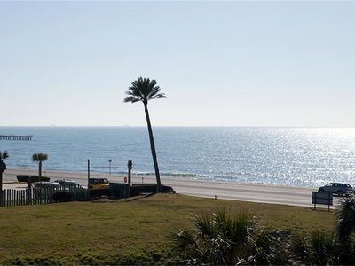 Photo for Galveston Condo, Ocean View, 3 Pools, Heated Pool, BBQ Grills 318